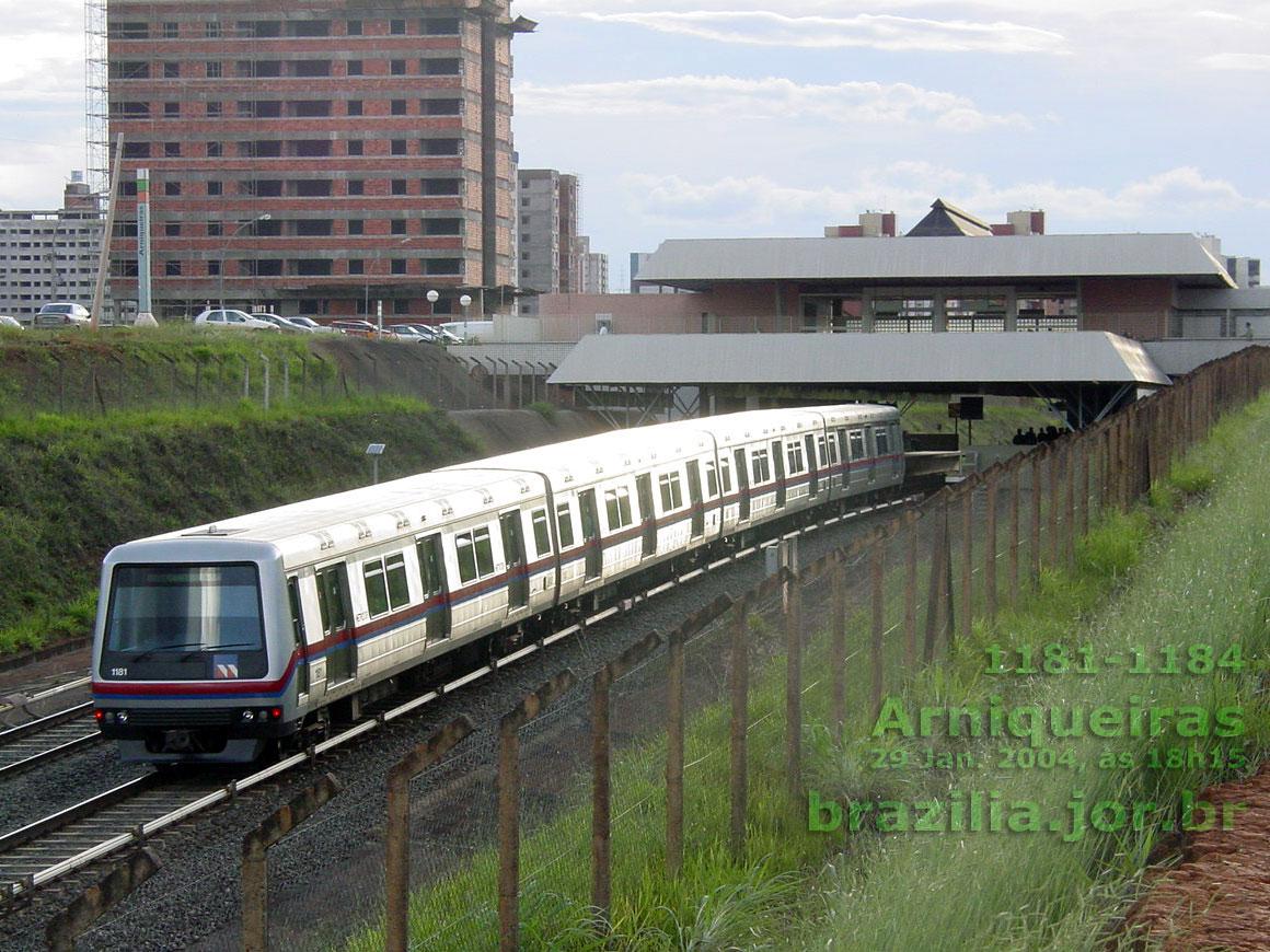 Trem 1181-1184 do Metrô de Brasília na Estação Arniqueiras