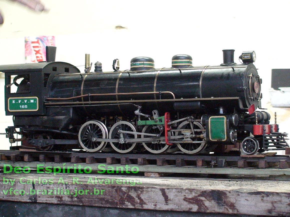 Ferreomodelo live steam escala 1:20 da locomotiva nº 165 da EFVM, construído por Déo Espírito Santo Sobrinho